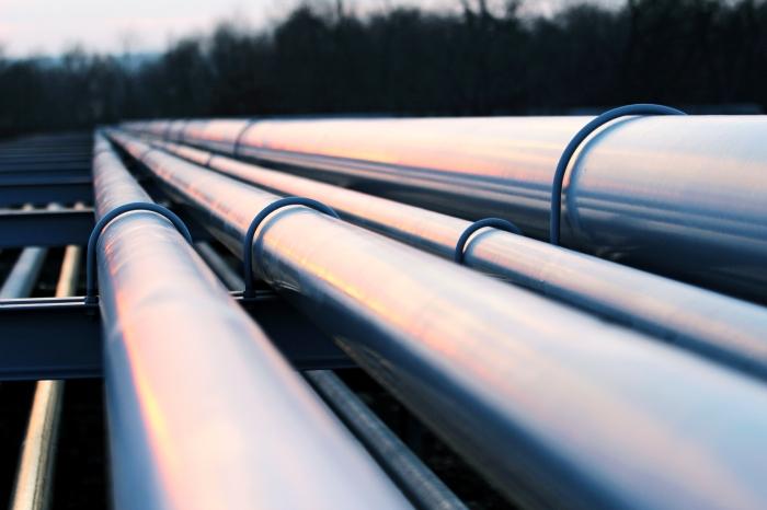 iStock_000051145794_Oil pipes.jpg